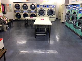 床面の剥離および樹脂ワックスコーティング清掃